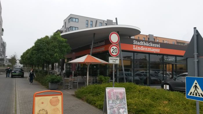 http://www.phoenix-ma.de/name/Weilbach/Exp_Bilder/Lindenmayer_Stadtbaeck/13_1.jpg